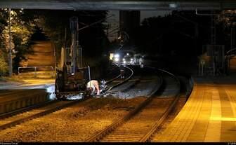 Von Ende Juni bis Anfang Juli fanden Schwellenwechsel auf der Bahnstrecke Merseburg–Halle-Nietleben (KBS 588) zwischen dem Hp Halle Zscherbener Straße und Hp Halle-Neustadt statt.