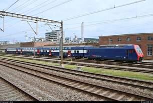 Re 450 099-7  Volketswil  der S-Bahn Zürich (SBB) ist im Gleisvorfeld von Zürich HB (CH) abgestellt.
