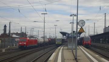 Aus dem Archiv: am 14.04.2013 schauten gleich 3 Züge mich an und warteten auf die Ausfahrt in Bamberg.