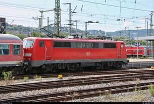 Blick auf 111 019-6 von DB Regio Baden-Württemberg als RE 19902 von Nürnberg Hbf, der seinen Endbahnhof Stuttgart Hbf abweichend auf Gleis 9 erreicht.
