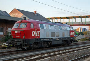 Die OHE-Cargo 200068 (92 80 1216 158-6 D-OHEGO), ex DB 216 158-6, steht am 23.09.2016 beim Bahnhof Gießen.