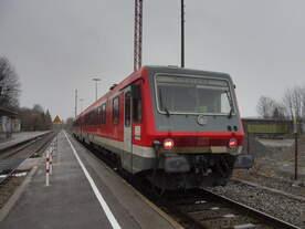 628 901 als RB nach Kißlegg im Bahnhof Wangen(Allg), Januar 2018