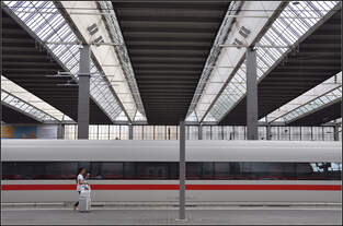 Nein, keine Wagenhalle -    Hauptbahnhof München, 17.08.2019 (J)