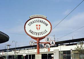 Wien: Die Wiener Straßenbahnen vor 50 Jahren: Straßenbahnhaltestelle der Linien A, AK, B, BK und 25 auf dem Praterstern am 29.