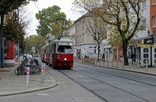 Wien Wiener Stadtwerke-Verkehrsbetriebe / Wiener Linien: Gelenktriebwagen des Typs E1: Motiv: E1 4549 als SL 49.