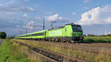 MRCE 193 604, vermietet an IGE, mit FLX 32617 Hamburg Hbf - Köln Hbf (bei Diepholz, 02.09.2020).