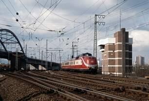 DT 13110, Frankfurt - Niederrad (Februar 1987).