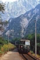 Die heutige Museumslok 1046.13 kommt in August 1980 mit einem Regionalzug im Haltepunkt Johnsbach im Gesäuse an (Neubearbeitung eines bereits veröffentlichten Bildes)