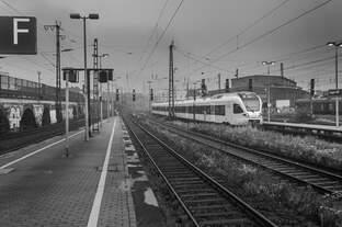 Eurobahn nach Venlo verlässt um 8.03 Uhr den Hagener Bahnhof am regnerischen Morgen des 21.09.2014