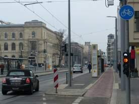 Straßenbahnhaltestelle Invalidenpark.