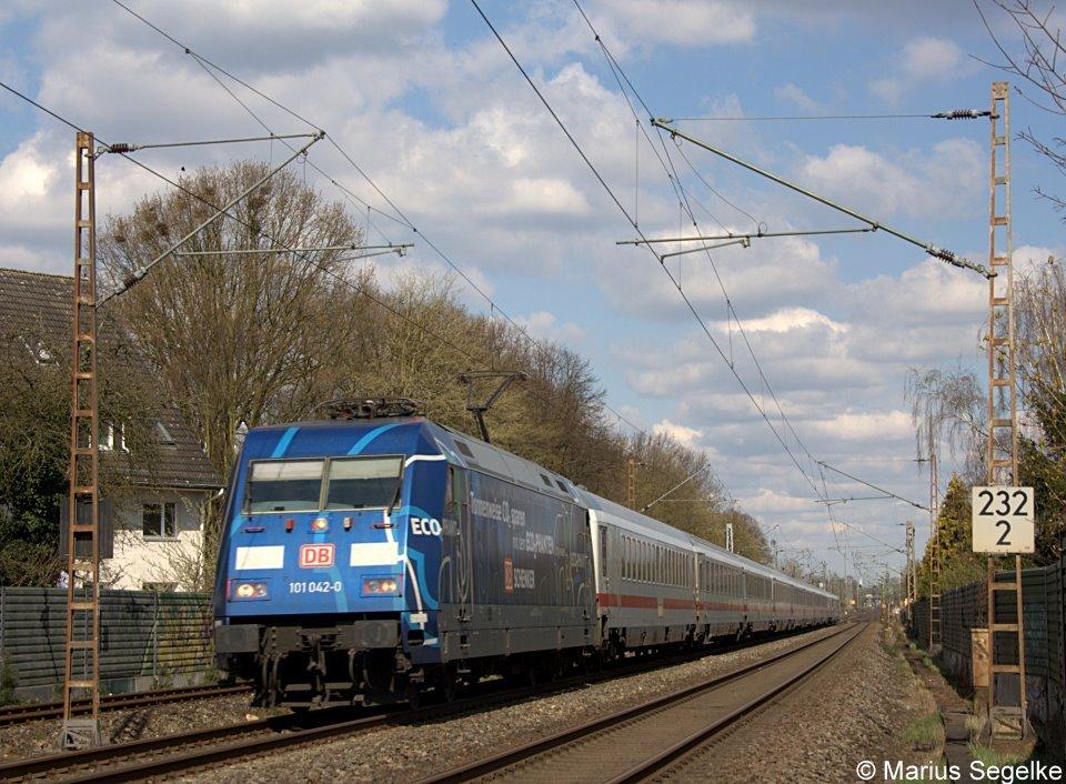 101 042 Zieht Den Ic 2025 Von Hamburg Altona Nach