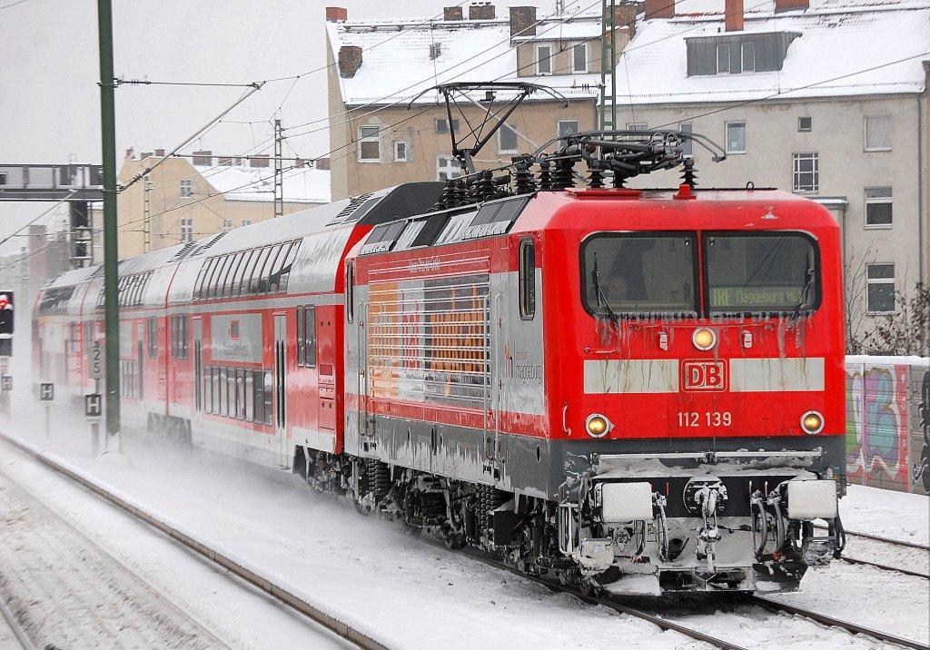 112 139 mit dem werbeslogan otto hat zugkraft und der neuen linie ire magdeburg berlin express. Black Bedroom Furniture Sets. Home Design Ideas