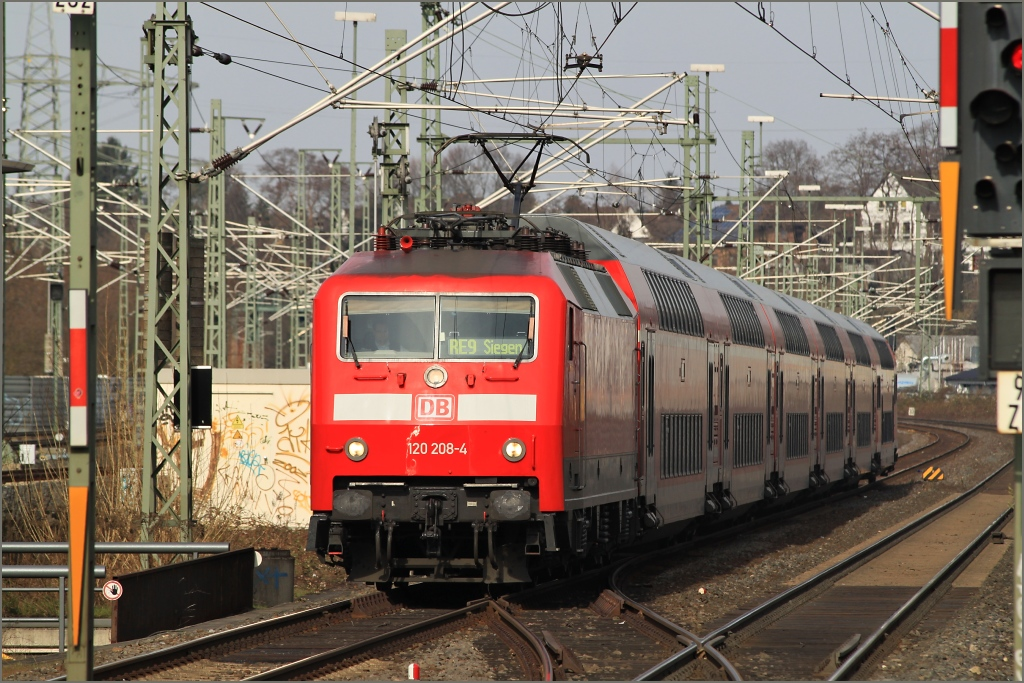 120 208 mit RE 9 (10909) nach Siegen am 12.03.11 in Siegburg