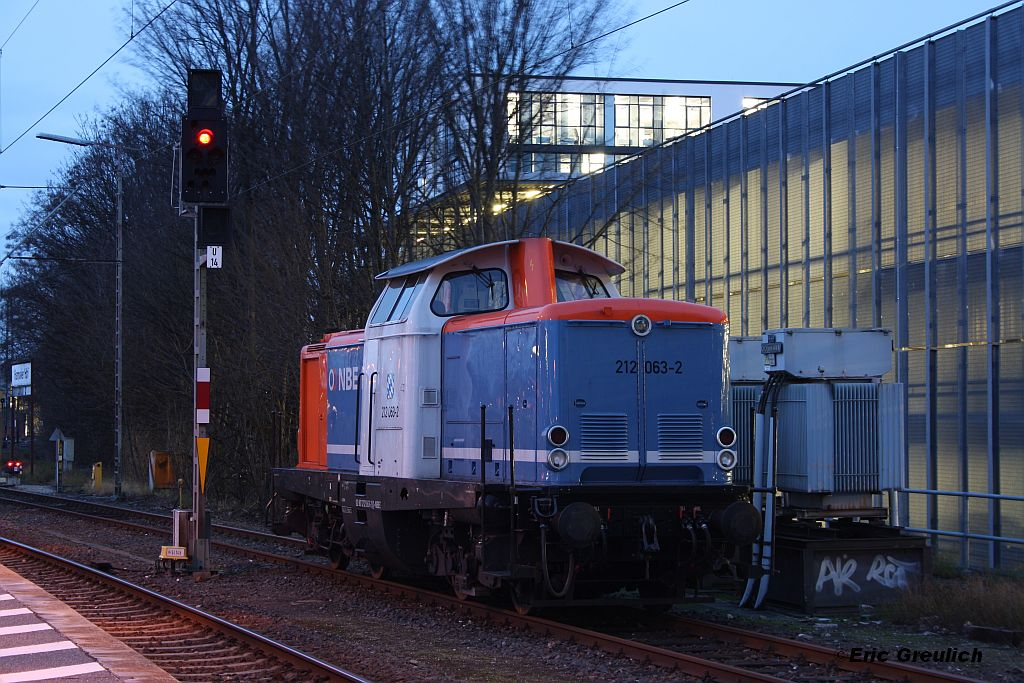 212 063 am 04.01.2012 in Hannover HBF.