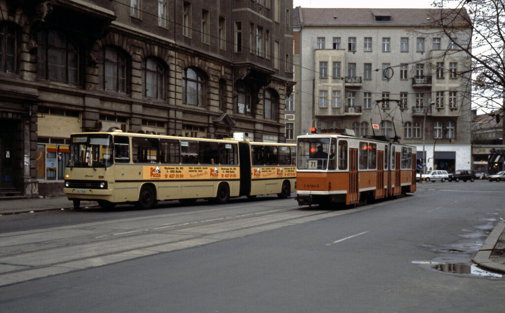 berlin bvg sl 70 kt4dt 219 423 5 friedrichstrasse oranienburger strasse im november 1992. Black Bedroom Furniture Sets. Home Design Ideas