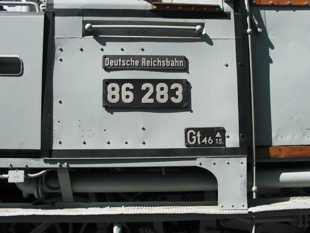 d6df0bcc3a8d Detailansicht der BR 86 283 im sog. Fotographieranstrich auf dem ...