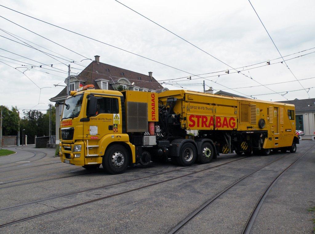 Diese Monster Schienenfräse ist zur Zeit in Basel und Umgebung im ...