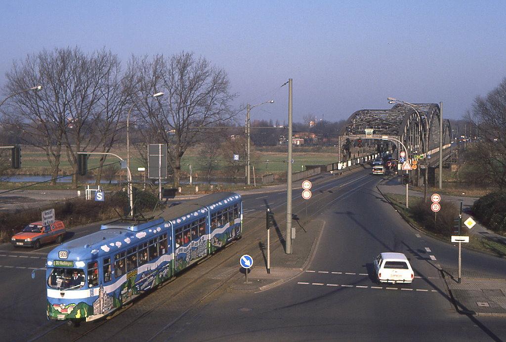 Duisburg Tw 1047 Hat Im Verlauf Der Emmericher Stra E Auf
