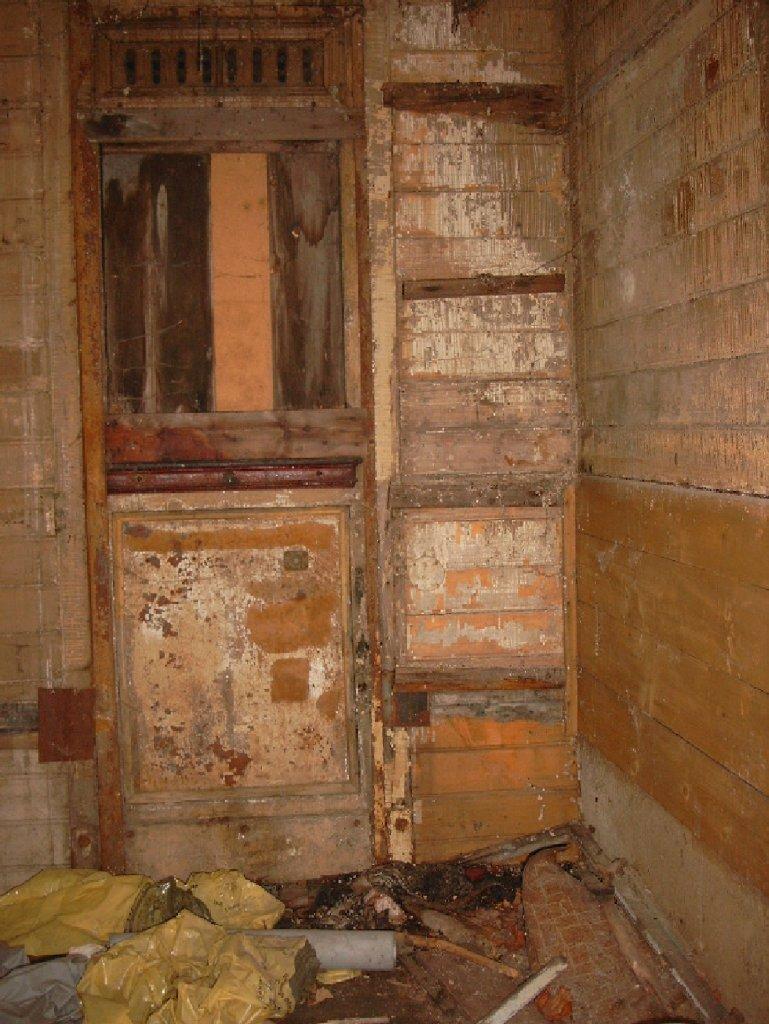 hier sieht man die innenansicht vom zweiten s chsichen wagenkasten in schlettau oberhalb der t r. Black Bedroom Furniture Sets. Home Design Ideas