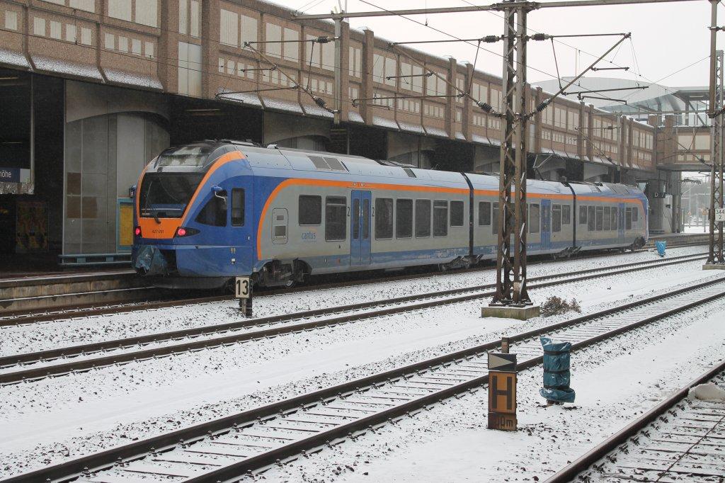 Hier steht ein FLIRT EMU4 der Eurobahn am 3.2.2012 in Kassel ...