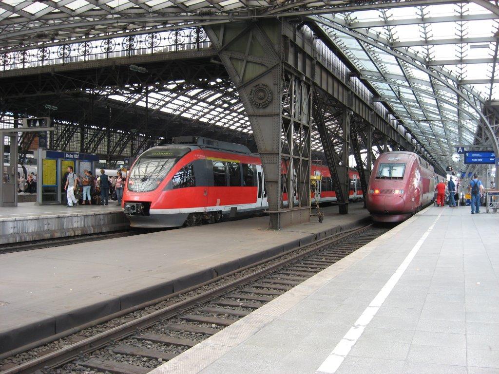 k ln hbf 15 september 2006 links auf gleis 7 steht eine rb nach euskirchen und rechts auf. Black Bedroom Furniture Sets. Home Design Ideas
