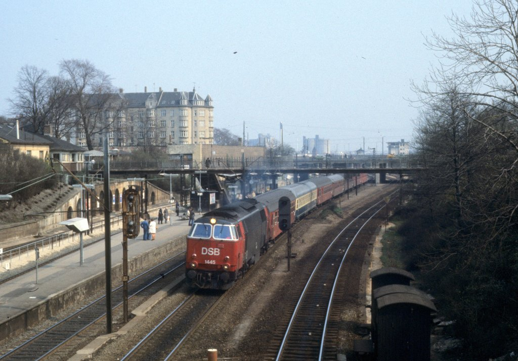 Kopenhagen Im April 1978 Die Dsb Diesellok Mz 1445 Hat Vor Wenigen