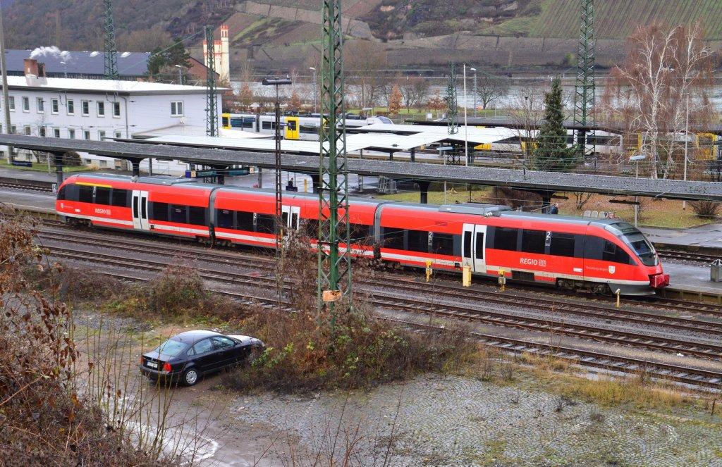 regionalbahn nach kaiserslautern der 643 022 in bingen von der fu g ngerbr cke aus. Black Bedroom Furniture Sets. Home Design Ideas