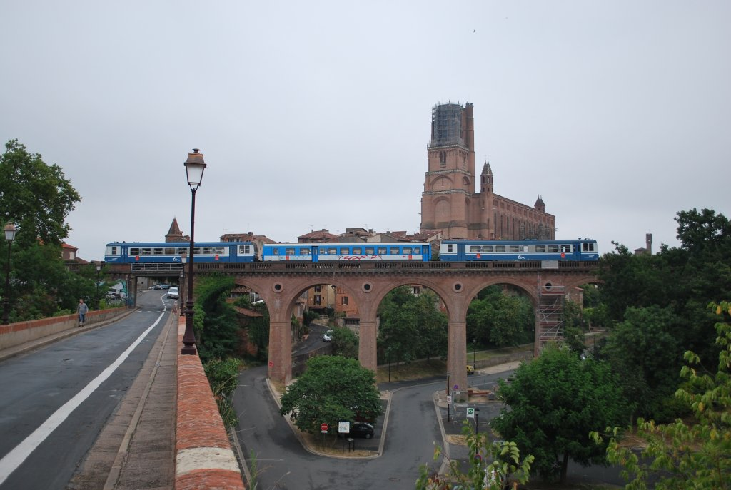 Ter zug carmaux toulouse f hrt an der cath drale sainte for Ter toulouse