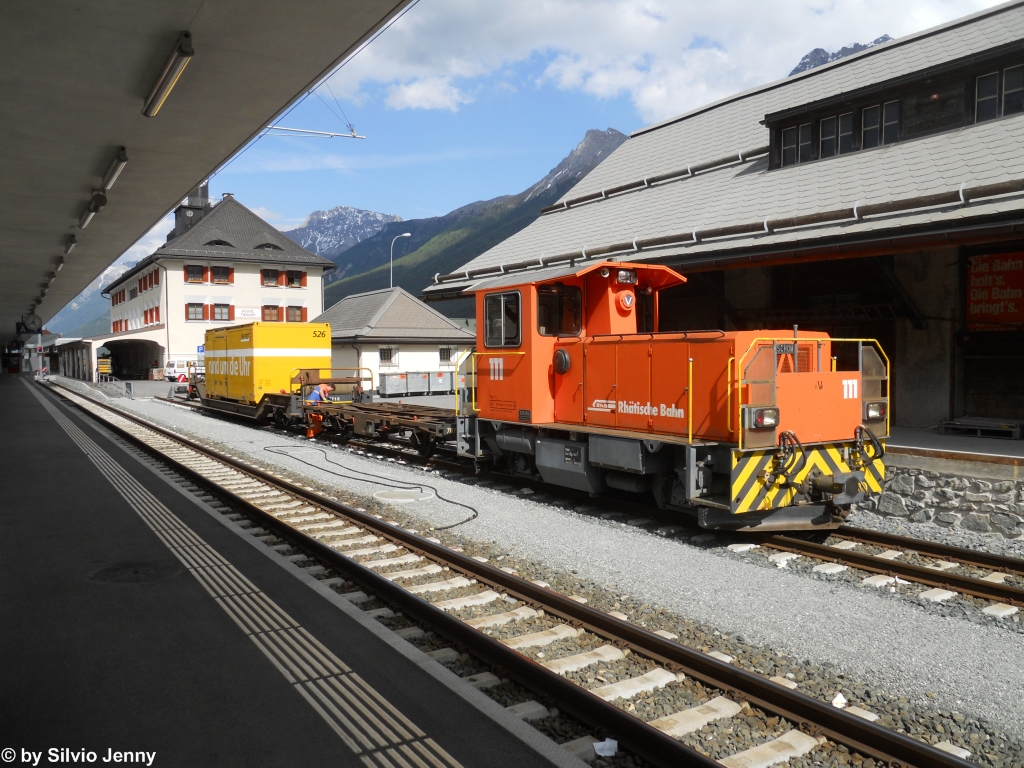 Tm 2/2 111 am 7.6.2012 in Scuol-Tarasp.