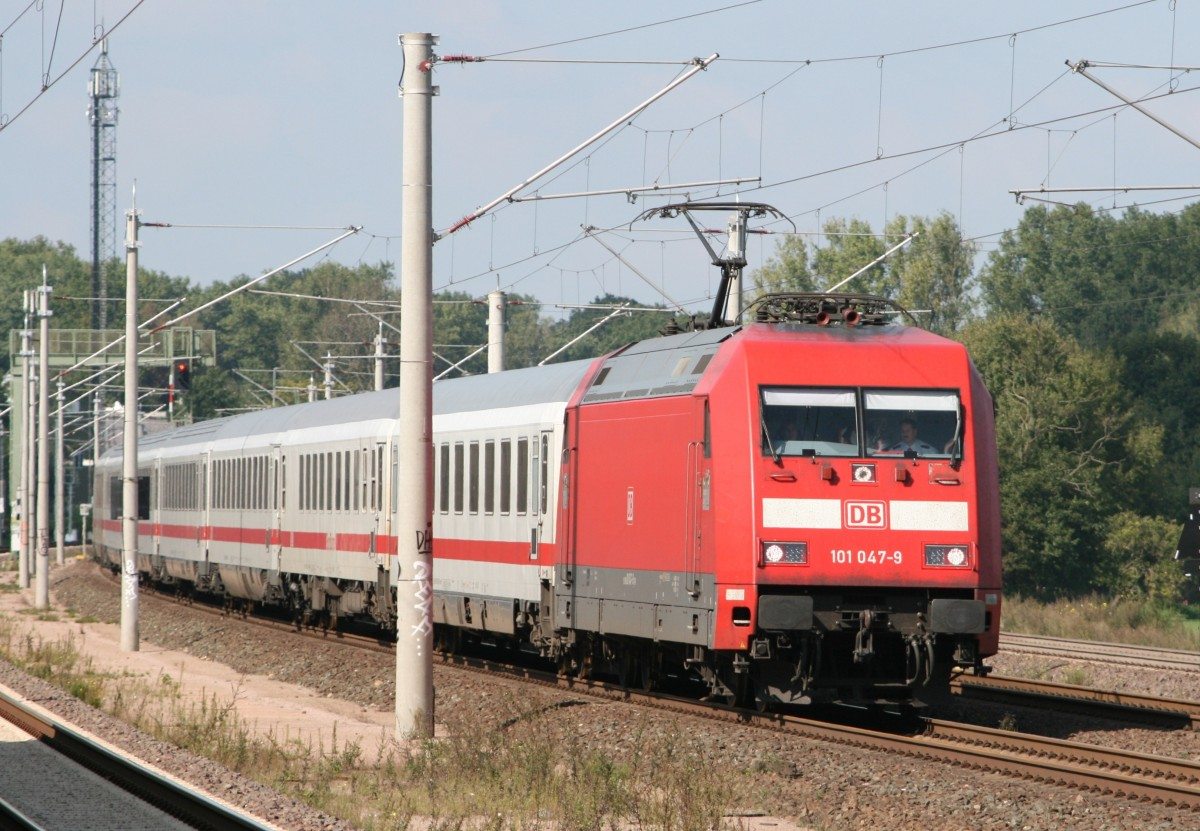 101 047 mit IC 2373 (Stralsund Hbf–Heidelberg Hbf) am 12.09.2014 in Ashausen