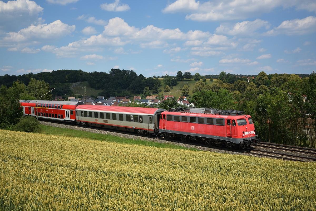 http://www.bahnbilder.de/1200/115-448-zieht-am-30-1124348.jpg