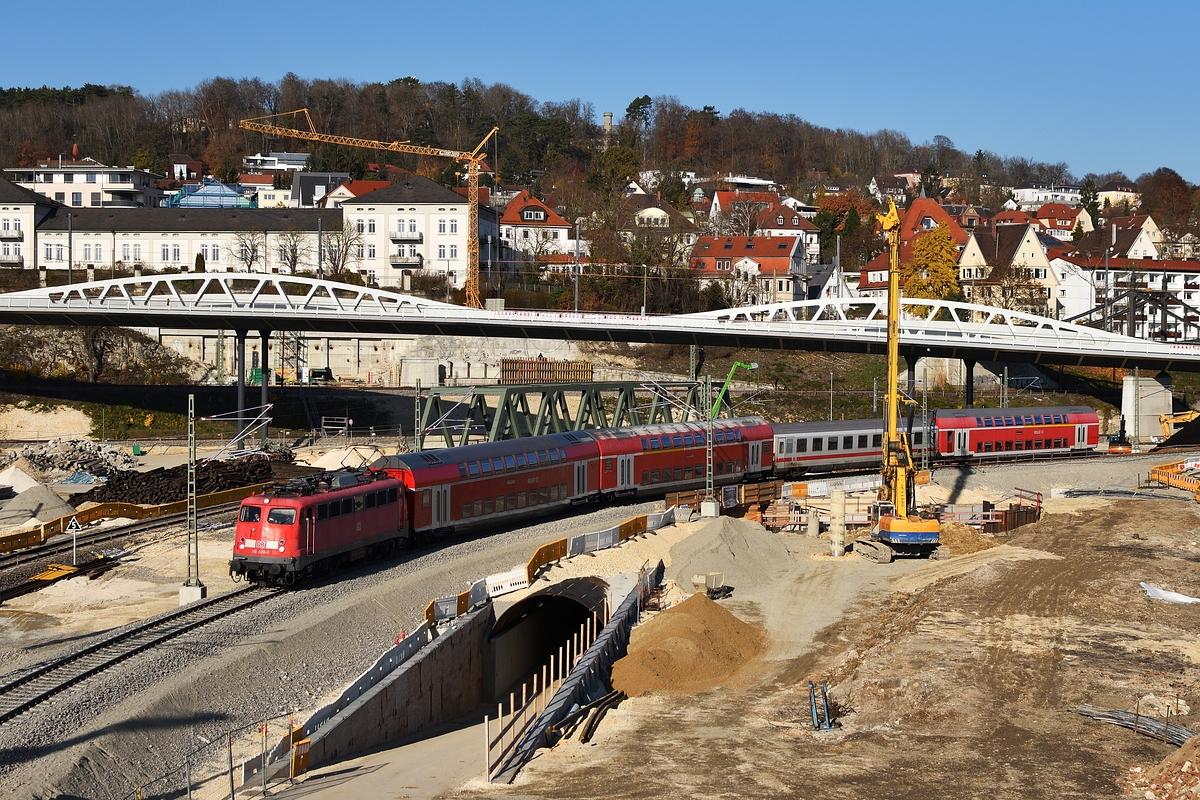 http://www.bahnbilder.de/1200/115-459-befaehrt-am-17-1124350.jpg