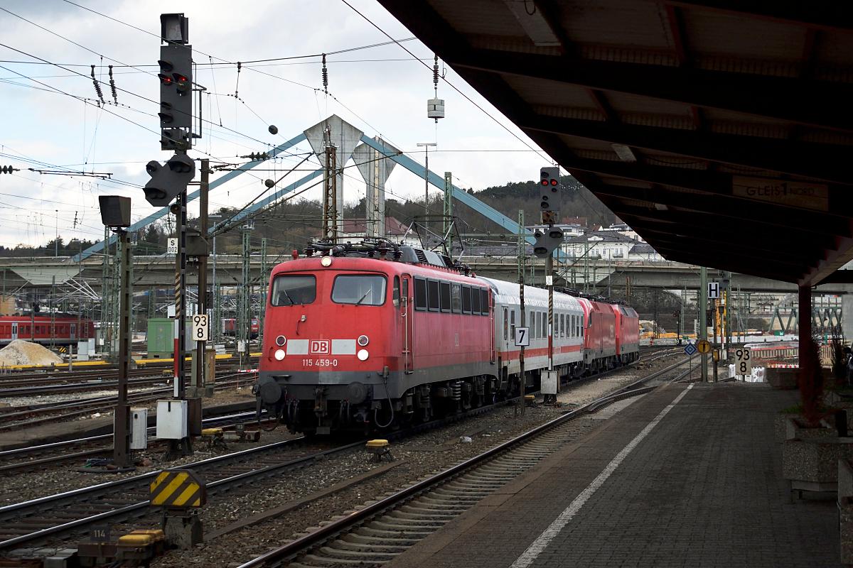 http://www.bahnbilder.de/1200/115-459-faehrt-am-03-1066479.jpg