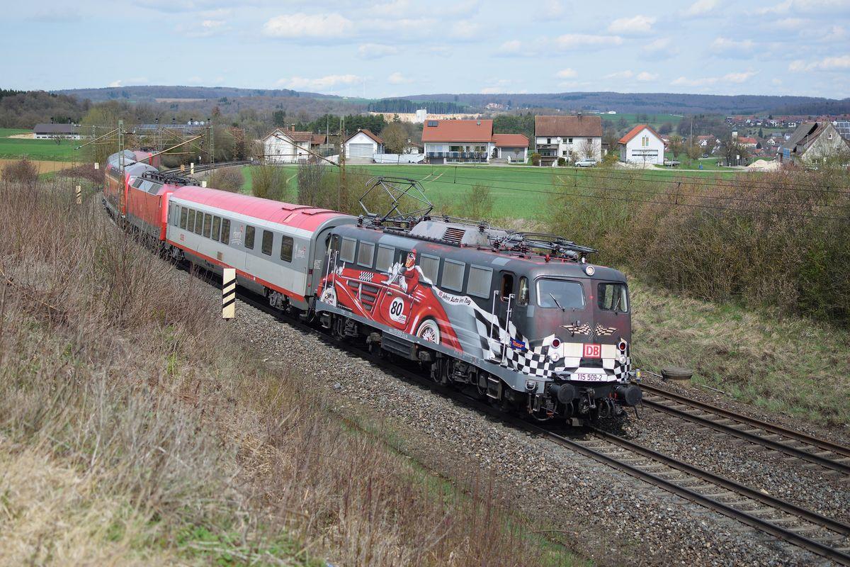 http://www.bahnbilder.de/1200/115-509-zieht-am-14-1079244.jpg