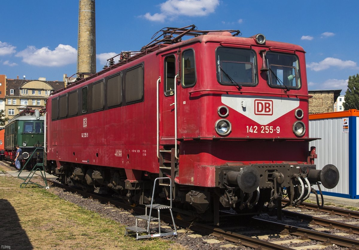 142 255 im DB Museum Halle(S) am 24.8.19. Sommerfest DB Museum Halle(S).