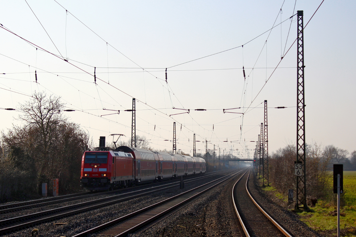 146 276 mit RE5 nach Emmerich am 12.03.2016 in Duisburg-Rahm