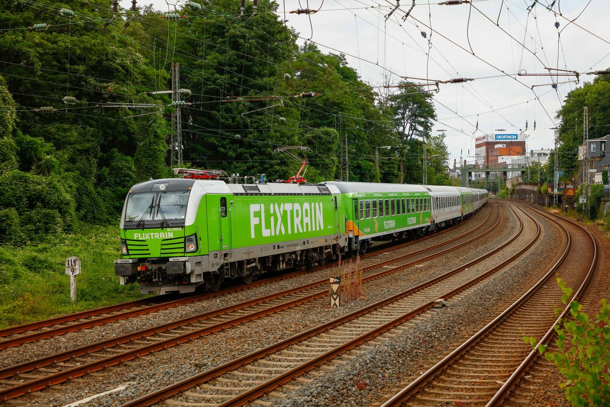 193 990-0 Vectron mit Flixtrain in Wuppertal, am 13.07.2019.