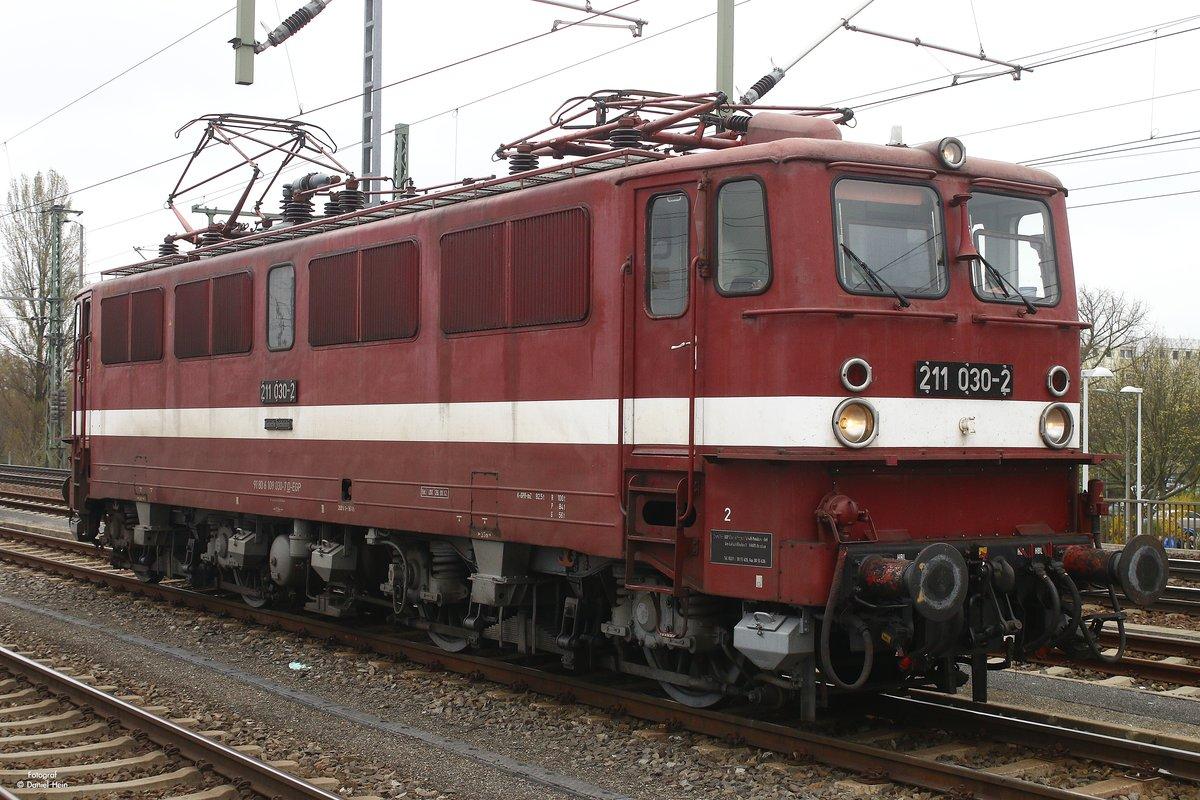 2 schlampen am hbf frankfurt - 2 2