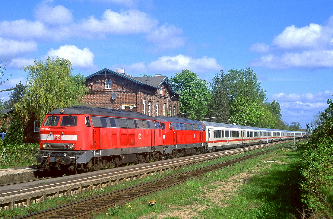 218 386 + 218 347, Lunden, IC 2311, 02.05.2010.