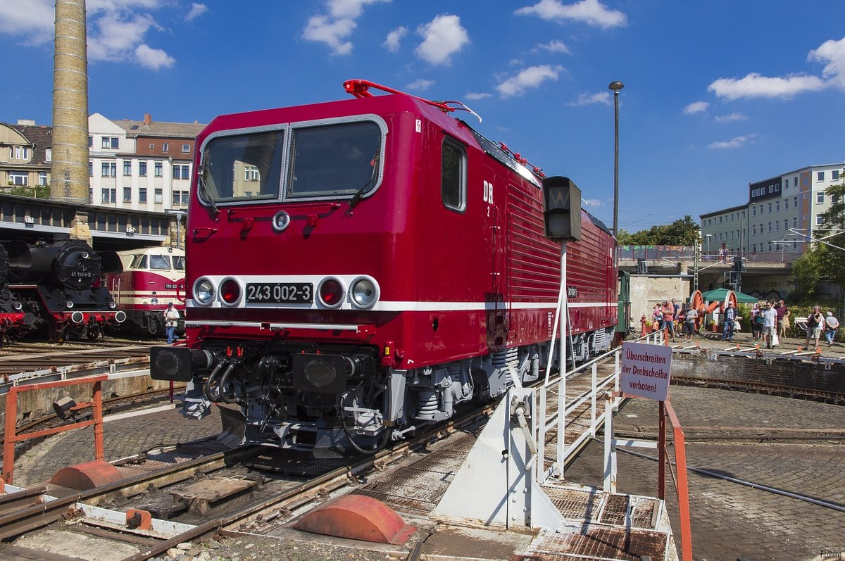 243 002 im DB Museum Halle(S) am 24.8.19. Sommerfest DB Museum Halle(S).