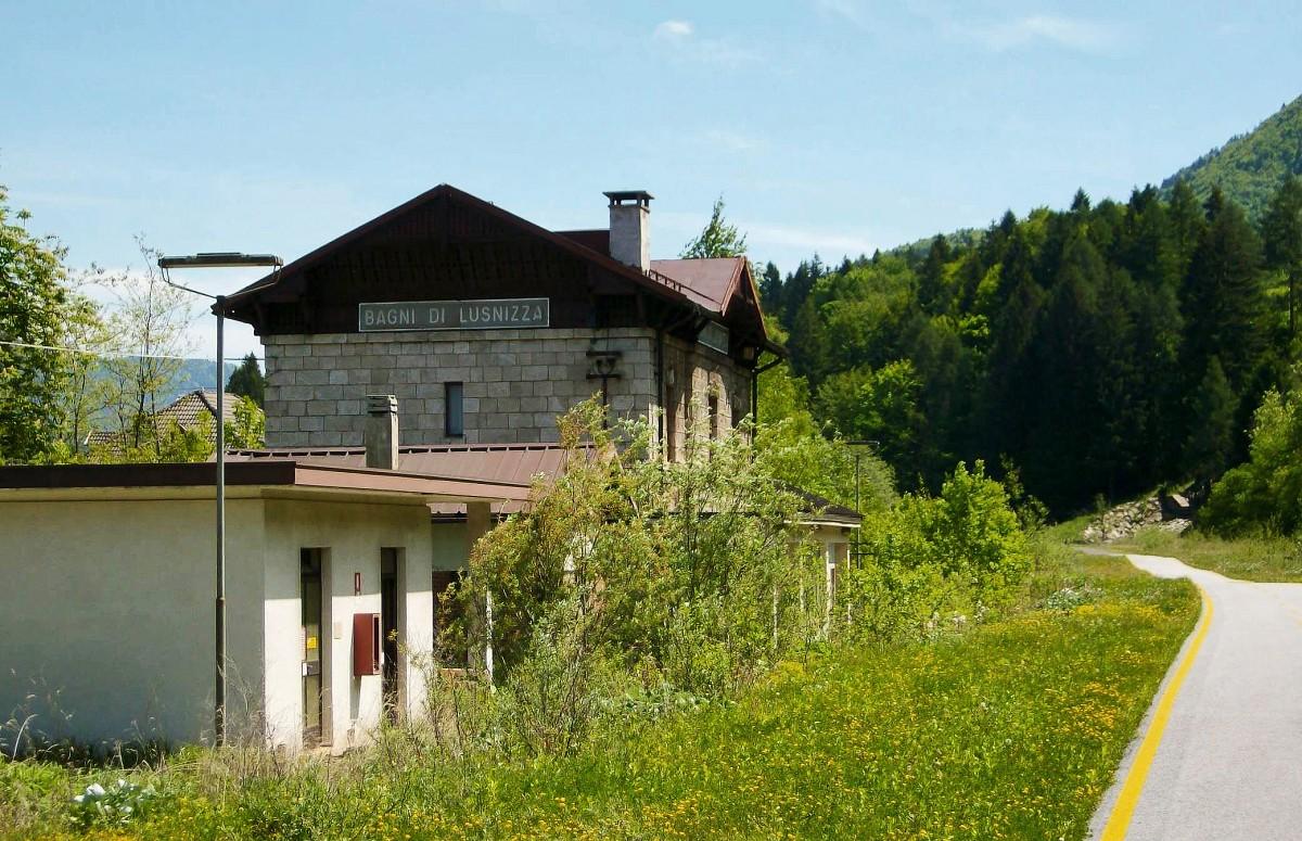 Blick auf den ehemaligen bahnhof bagni di lusnizza am 27 8 - Bagni di lusnizza ...