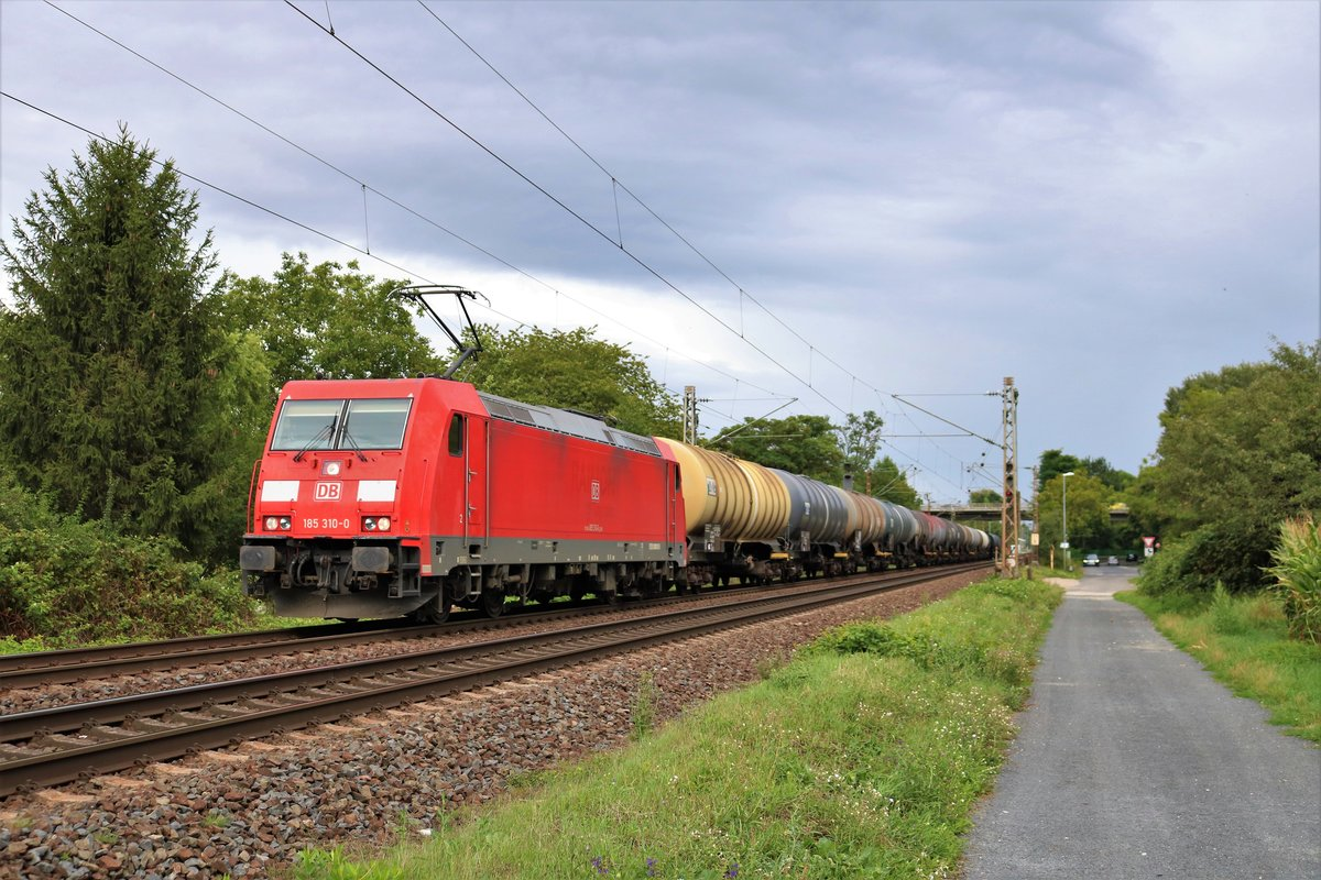 DB Cargo 185 310-0 am 15.08.19 in Maintal Ost