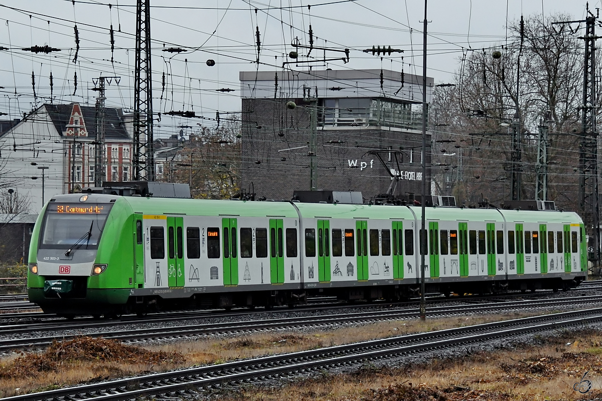 Der Triebzug 422 503-3 Anfang Dezember 2019 Bei Der
