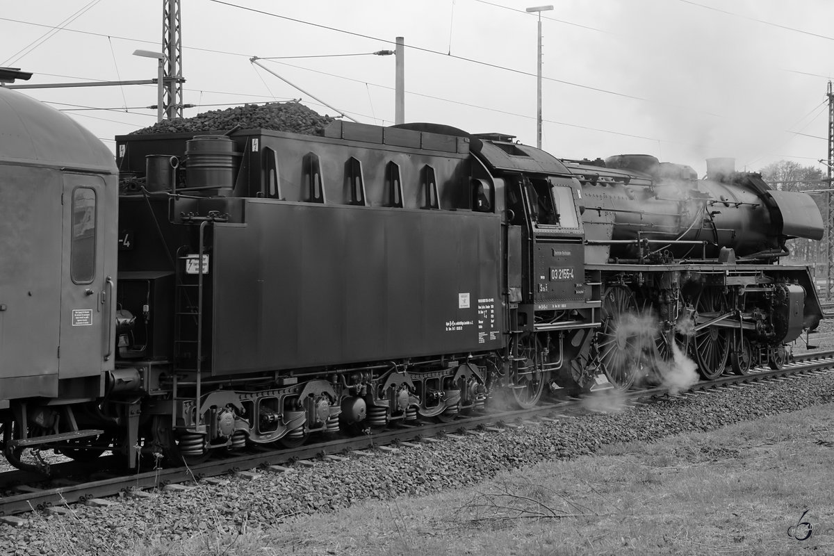 Die Dampflokomotive 03 2155-4 im April 2017 in Freiberg.