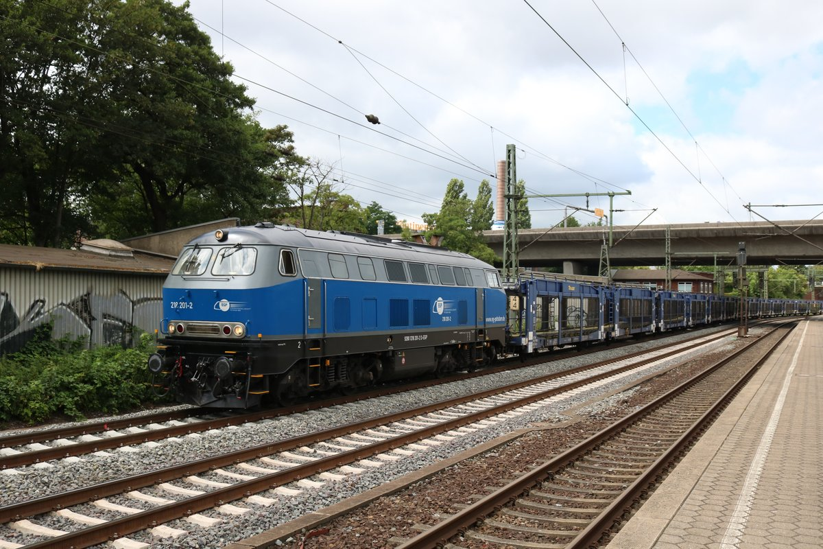 EGP 218 201-2 mit leeren Autotransportwagen in Hamburg Harburg am 16.07.19