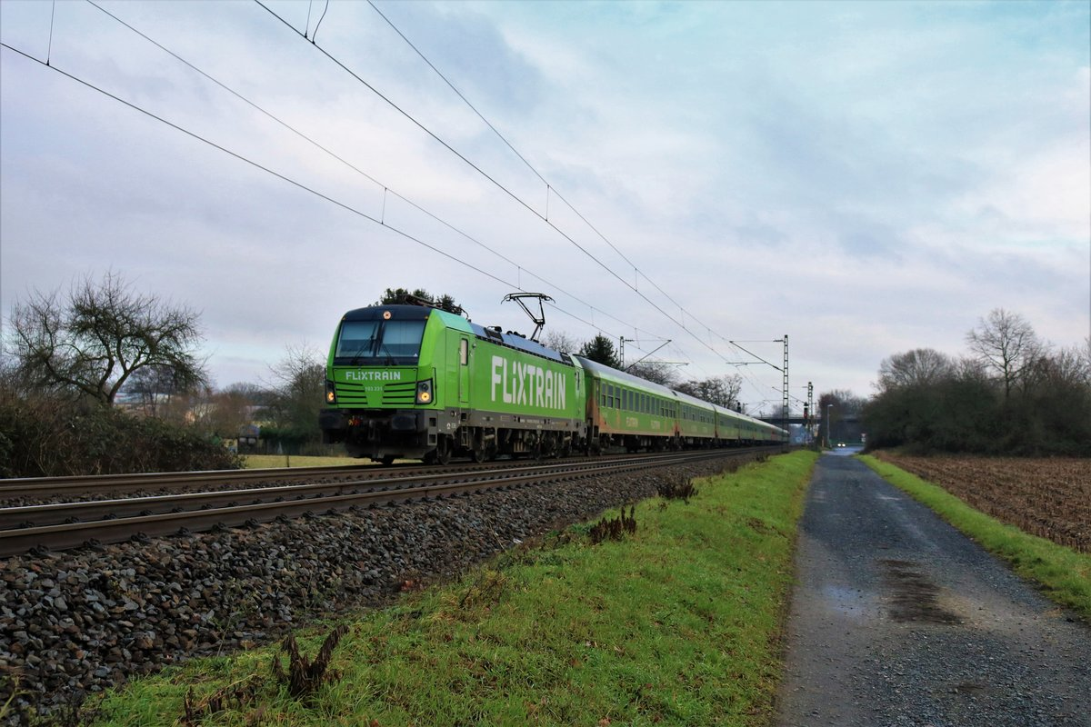 ELL/Flixtrain Siemens Vectron 193 231-8 mit dem FLX76303 am 27.12.19 in Maintal Ost