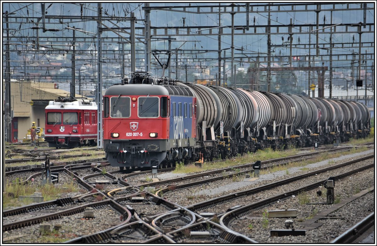 Frisch revidierte Cargo Re 6/6 620 007-5 in Landquart. (29.08.2019)