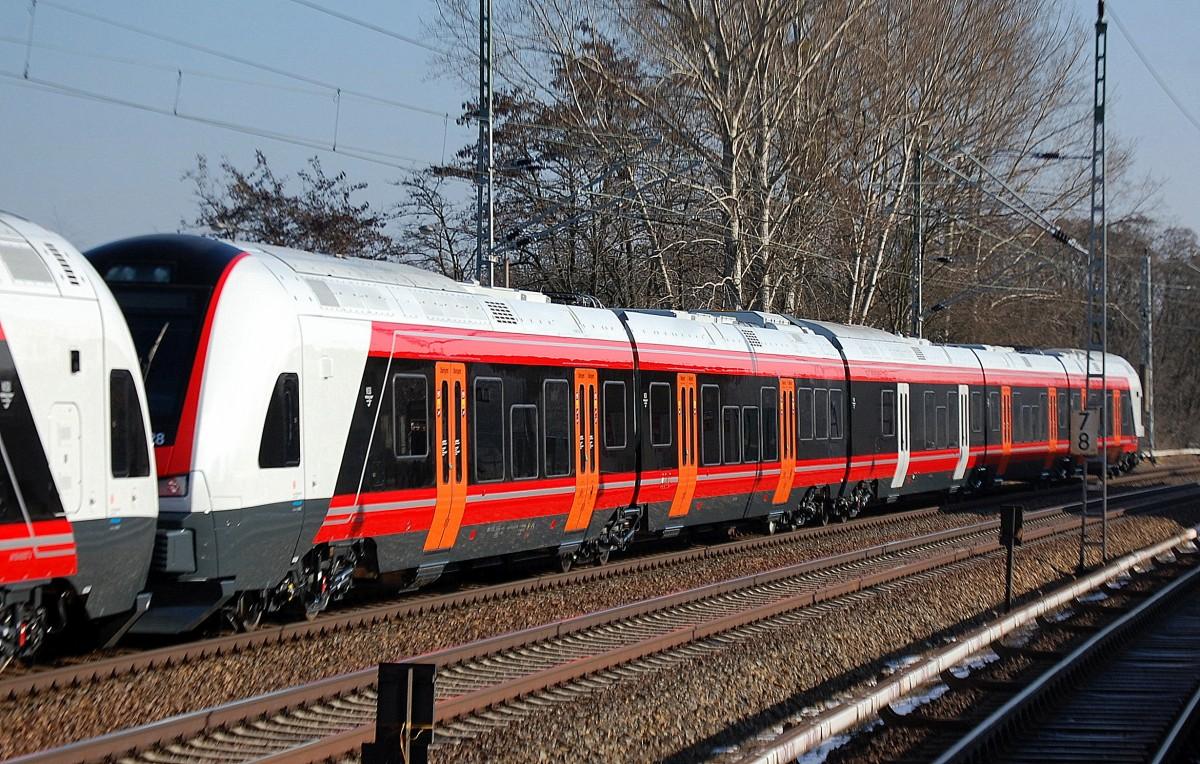 ... Gespann aus einem RE1 und einem Eurobahn Flirt am 9.6.13 in Paderborn