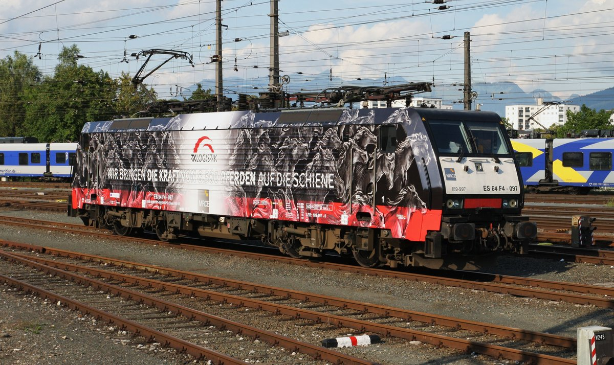 http://www.bahnbilder.de/1200/hier-steht-neue-werbeklok-189-962027.jpg