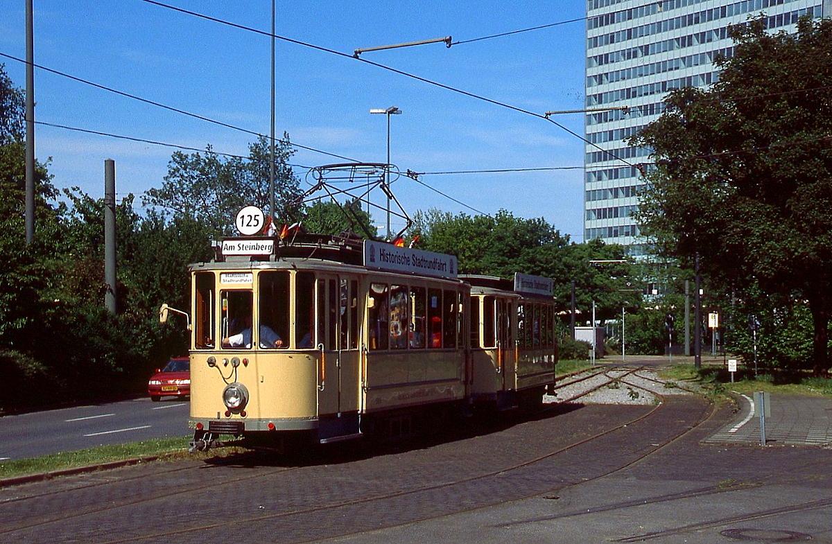 im sommer 2001 verl t der 1921 in dienst gestellte rheinbahn museumstriebwagen 583 die eh. Black Bedroom Furniture Sets. Home Design Ideas